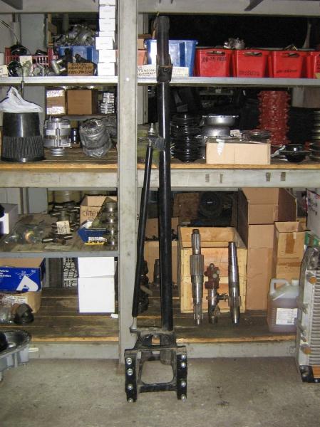Стойка глушителя с кронштейном (установка верхнего выхлопа), верний выхлоп - Фото