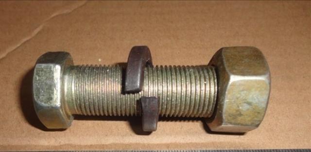 Болт+гайка крепления тормозного барабана п/пр, М18х1,5х50 - Фото
